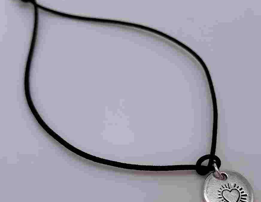 "Charity-Armband ""Helping Heart"""