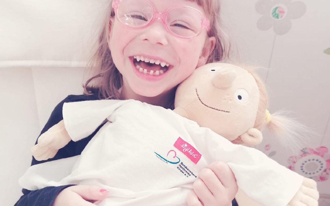Trotz Williams-Beuren-Syndrom und Herzfehler: Anna strahlt mit Rosi um die Wette!